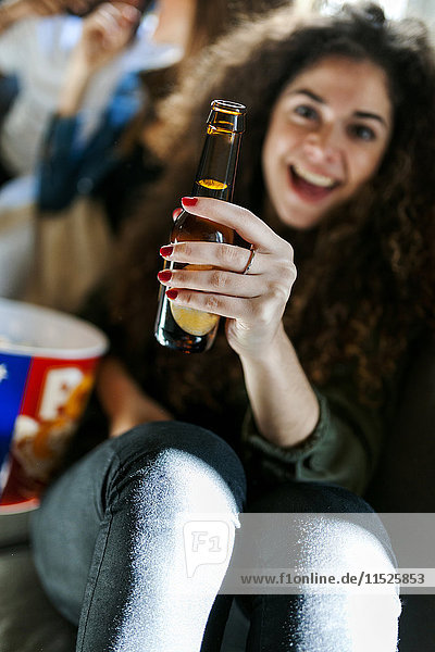 Frauentoast mit Bierflasche
