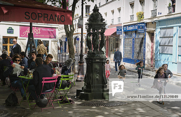 Europe  France  Paris (75)  3rd arrondissement  Le Marais  place Nathalie Lemel  cafe terrace