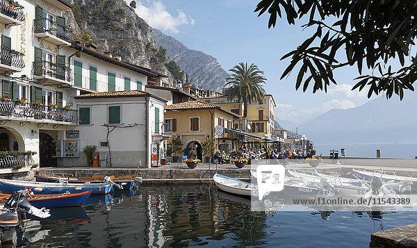Italien  Lombardei  Brecia  Gardasee  Limone sul Garda  Hafen
