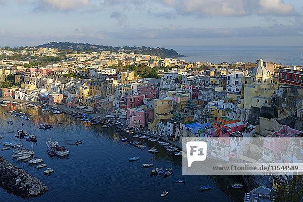 Italien  Kampanien  Phlegräische Inseln  Procida  Marina di Corricella