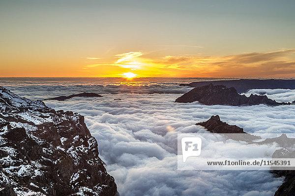 Portugal  Madeira  Sonnenuntergang am Pico do Arieiro