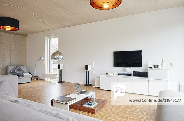 Leeres  modernes Wohnzimmer