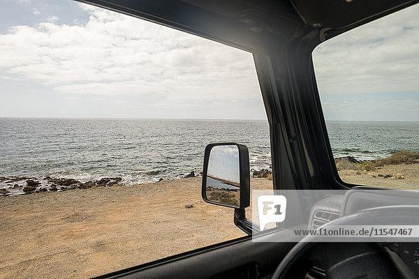 Spanien  Tenerifa  Strand vom Auto aus gesehen