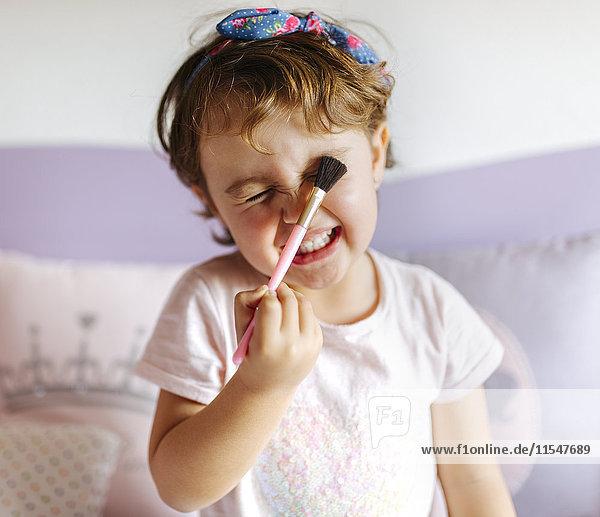 Portrait des Kleinen mit Pinsel