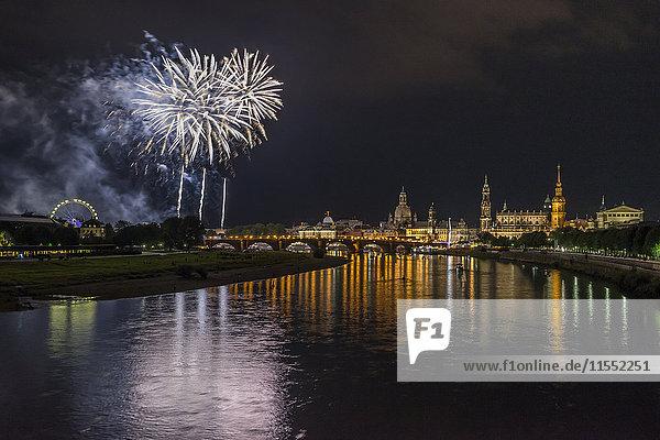 Deutschland  Dresden  Feuerwerk  Altstadtfest