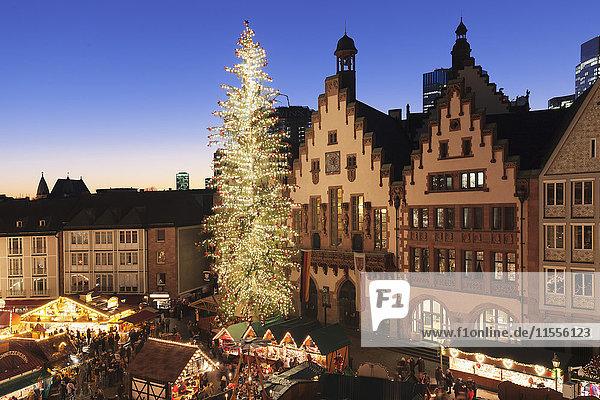 Christmas fair at Roemer  Roemerberg square  Frankfurt  Hesse  Germany  Europe