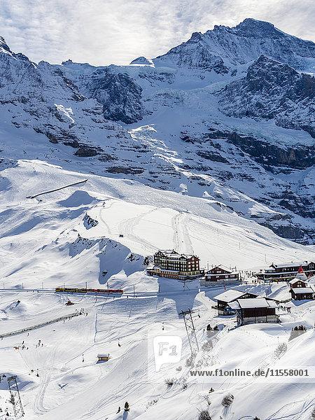 Schweiz  Kanton Bern  Grindelwald  Kleine Scheidegg  historische Bergbahn und Eigerhang