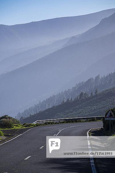 Spanien  Teneriffa  Straße in der Region El Teide Spanien, Teneriffa, Straße in der Region El Teide