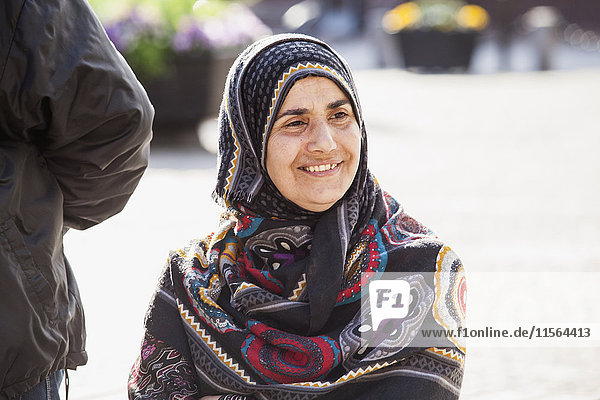 Schweden  Bleking  Solvesborg  Portrait einer Frau mit Kopftuch