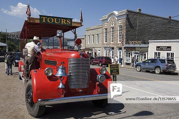 Oldtimer für Touristentouren  Virginia City  ehemalige Goldgräberstadt  Montana  USA  Nordamerika