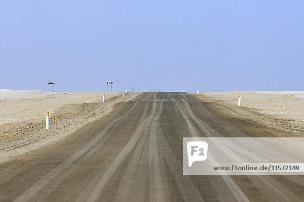Salzstraße C34 südlich von Torra Bay  Damaraland  Kunene Region  Namibia  Afrika
