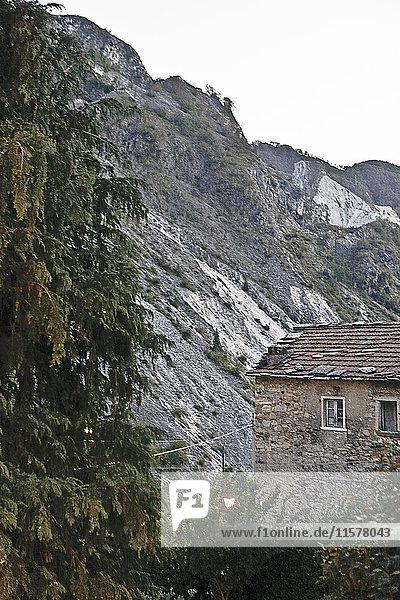 Italien  Toskana  Marmorberg nahe dem Dorf Collona