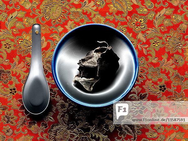 ''Mu Err''-Pilz in Schüssel mit Löffel