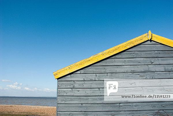 Strandhütte und Meer  Whitstable  Kent  England  UK