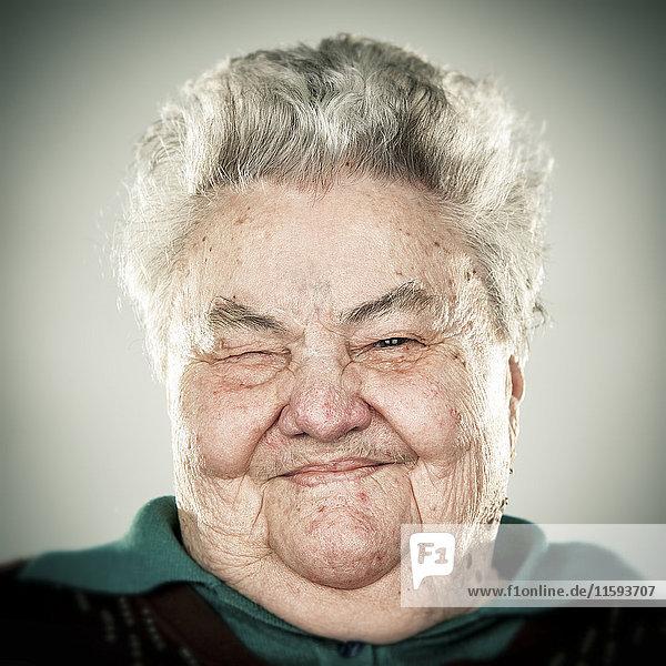 Porträt einer älteren Dame