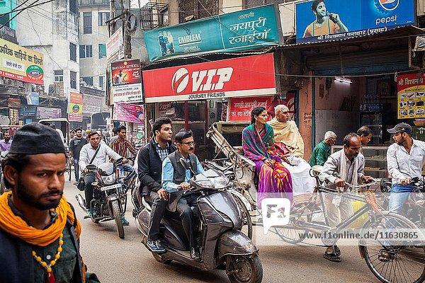 Godowlia Road  downtown  Varanasi  Uttar Pradesh  India.