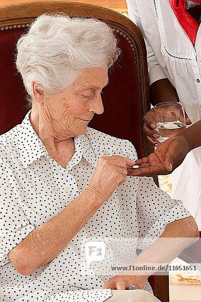 Treatment drug senior. (Photo Illustration by: Media for Medical/UIG)