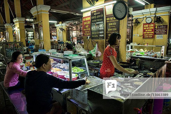 Food stalls in the market  Hoi An  Vietnam.