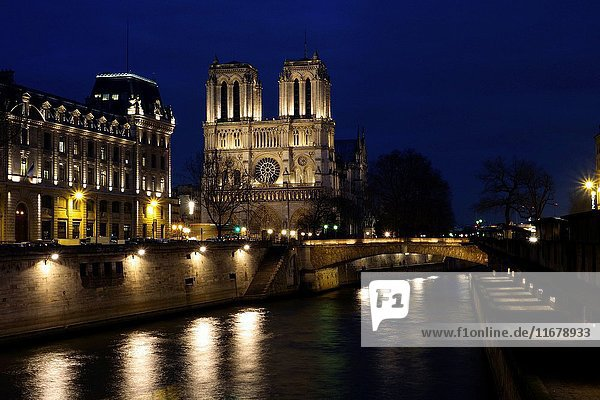 Cathedral Notre Dame. River Seine. Prefecture of Police. Paris. France. Europe.