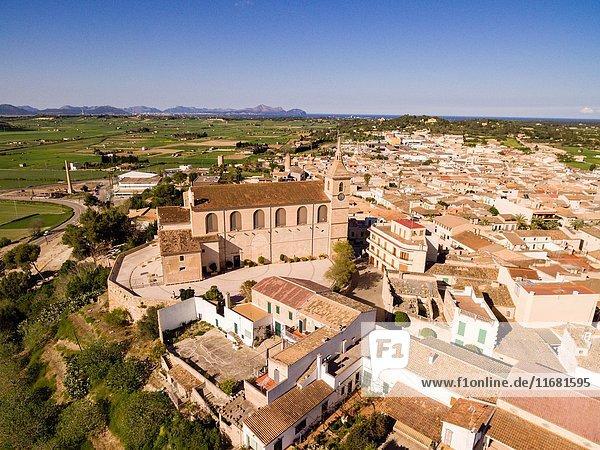 Iglesia Parroquial de Santa Margalida  levantada entre los siglos XVI y XVII sobre los restos de un templo anterior  Santa Margalida Mallorca  balearic islands  spain  europe.