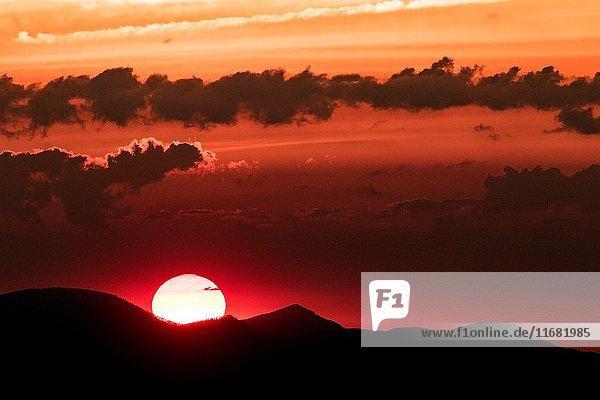 Sunrise on the Blue Ridge Parkway near Asheville  North Carolina  USA.