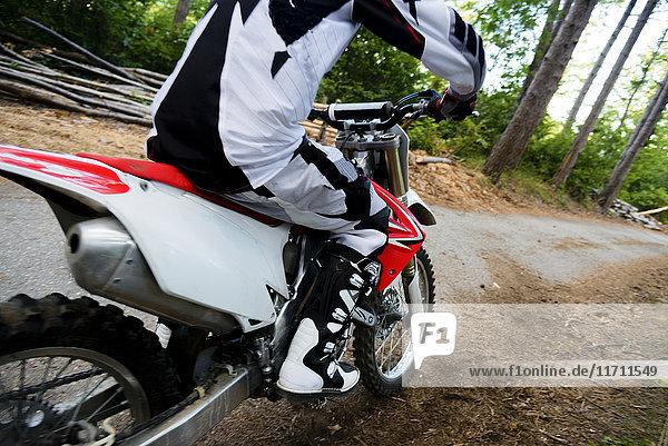 Italien  Motocross-Rennen im toskanischen Wald