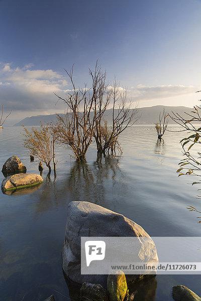 Erhai Lake at sunrise  Dali  Yunnan  China