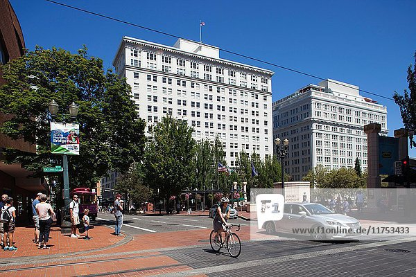 America  USA  State of Oregon  town of Portland  Pioneer Courthouse Square.