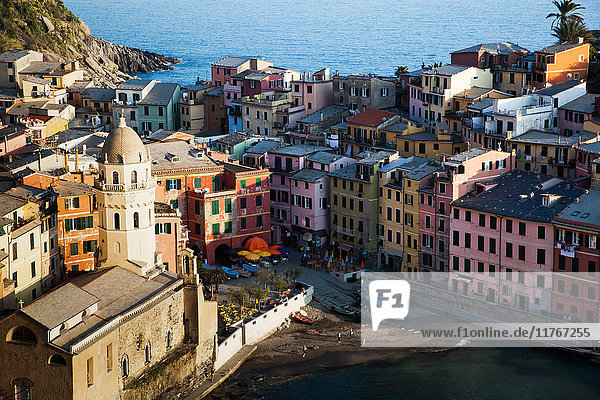Vernazza in sunset light  Cinque Terre National Park  UNESCO World Heritage Site  Liguria  Italy  Mediterranean  Europe
