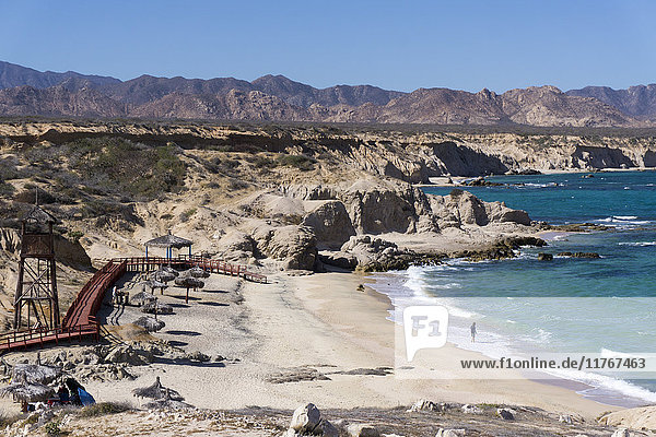 Beach and whale watch tower  Cabo Pulmo  UNESCO World Heritage Site  Baja California  Mexico  North America