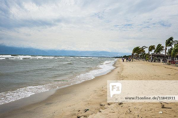 Beach on the shores of Lake Tanganyika  Bujumbura  Burundi  Africa