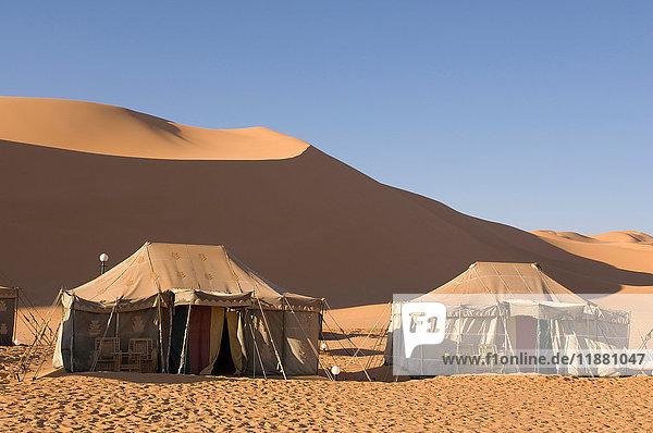 Zeltlager  Erg Awbari  Wüste Sahara  Fezzan  Libyen
