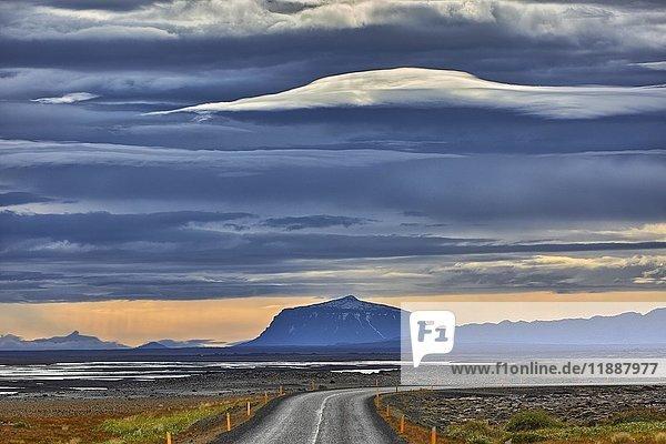 Herðubreið  Tafelvulkan  Vidhirholl  Norðurland Eystra  Island  Europa