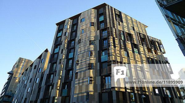 Europe  Italy  Lombardy  Milan  Porta nuova  skyscraper  condominium  modern architectue