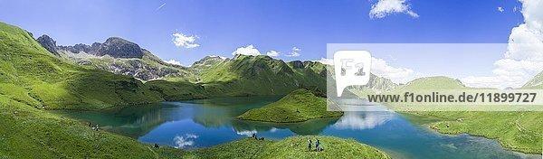 Schrecksee mit Allgäuer Bergen  Allgäuer Alpen  Allgäu  Bayern  Deutschland  Europa