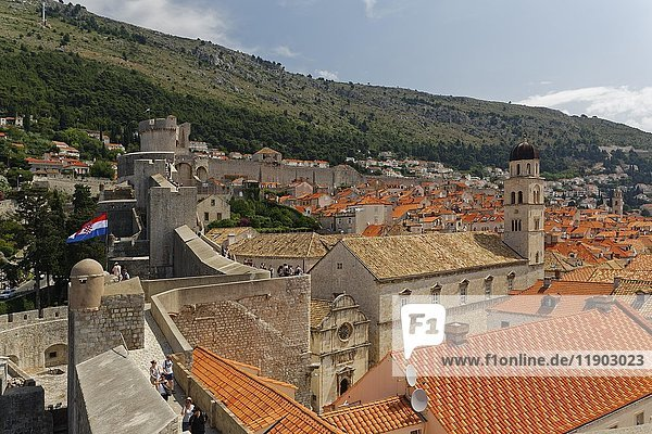 View from the city wall to the old town of Dubrovnik  southern Dalmatia  Dalmatia  Croatia  Europe