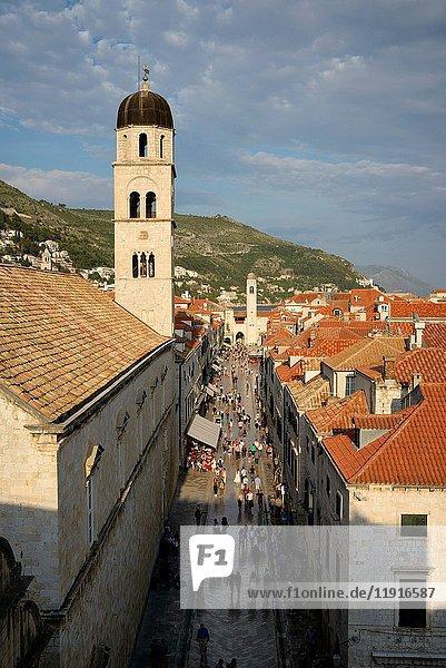 Croatia  Dalmatia  Dalmatian Coast  Dubrovnik  historical centre listed as World Heritage by UNESCO  the main street of the old town (Stradun)