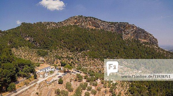 Es Verger  restaurante tradicional  puig de Alaró  comarca de Raiguer  Mallorca  Balearic Islands  Spain.
