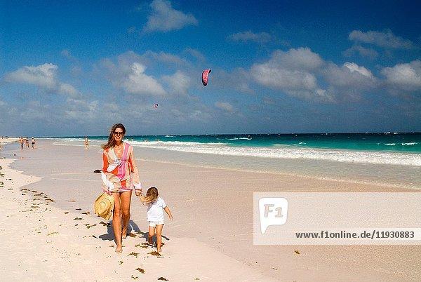 Pink Sand Beach. Dunmore Town  Harbour Island  Eleuthera. Bahamas.