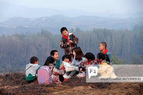 Rural teachers and pupils in outdoor learning