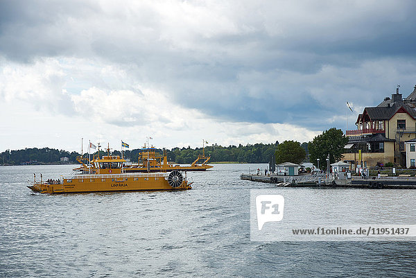 Schweden  Vaxholm  Boot im Wasser