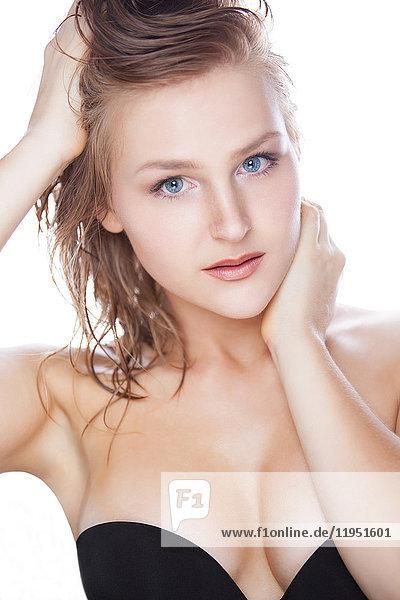 Portrait einer attraktiven jungen Frau