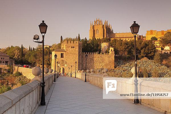 Puente de San Martin Bridge  San Juan des los Reyes Monastery  Toledo  Castilla-La Mancha  Spain  Europe