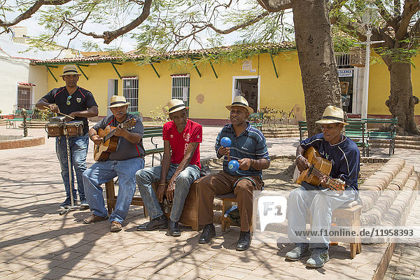 Street musicians  Trinidad  UNESCO World Heritage Site  Sancti Spiritus  Cuba  West Indies  Central America