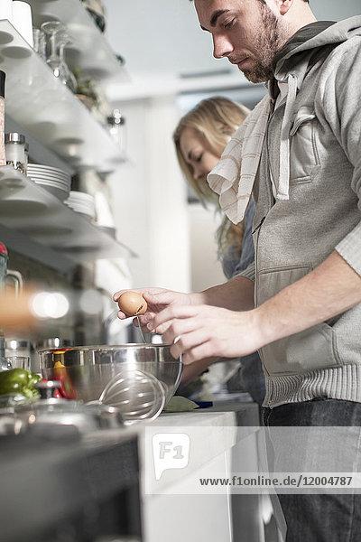Paarkochen in der Küche