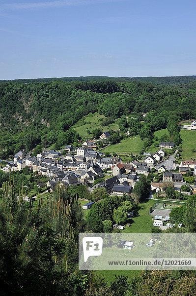 France  region of Pays de La Loire  Sarthe department  village of Saint-Leonard-des-Bois on the banks of the Sarthe river.
