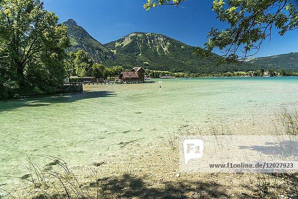 Lake Wolfgangsee near Strobl  Salzkammergut region  Austria.