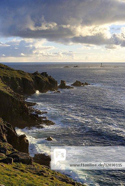 Longship Leuchtturm  Longships Lighthouse  Land?s End  Cornwall  England  Großbritannien  Europa