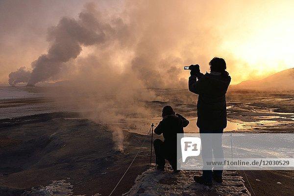 Dampfende Solfataren  bei Reykjalith  Nordisland  Island  Europa