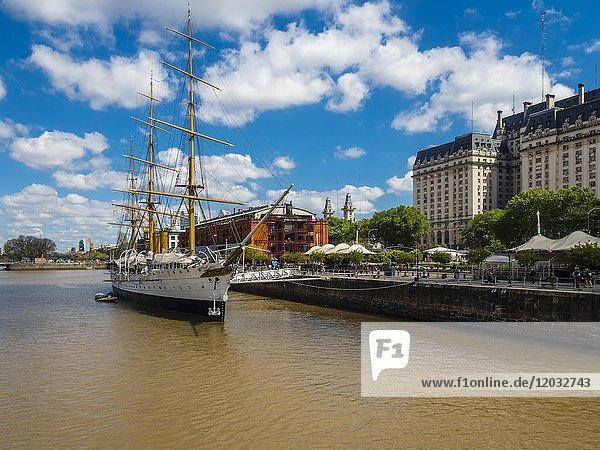 Museumsschiff Sarmiento im Hafen  Stadtteil Puerto Madero  Buenos Aires  Argentinien  Südamerika